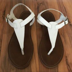 Mossimo white tan flip flops size 8